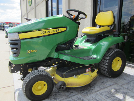 2011 john deere x300 lawn  garden and commercial mowing