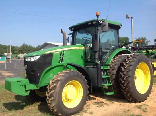 2012 John Deere 7215R