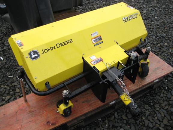 John Deere QuickHitch Broom 52