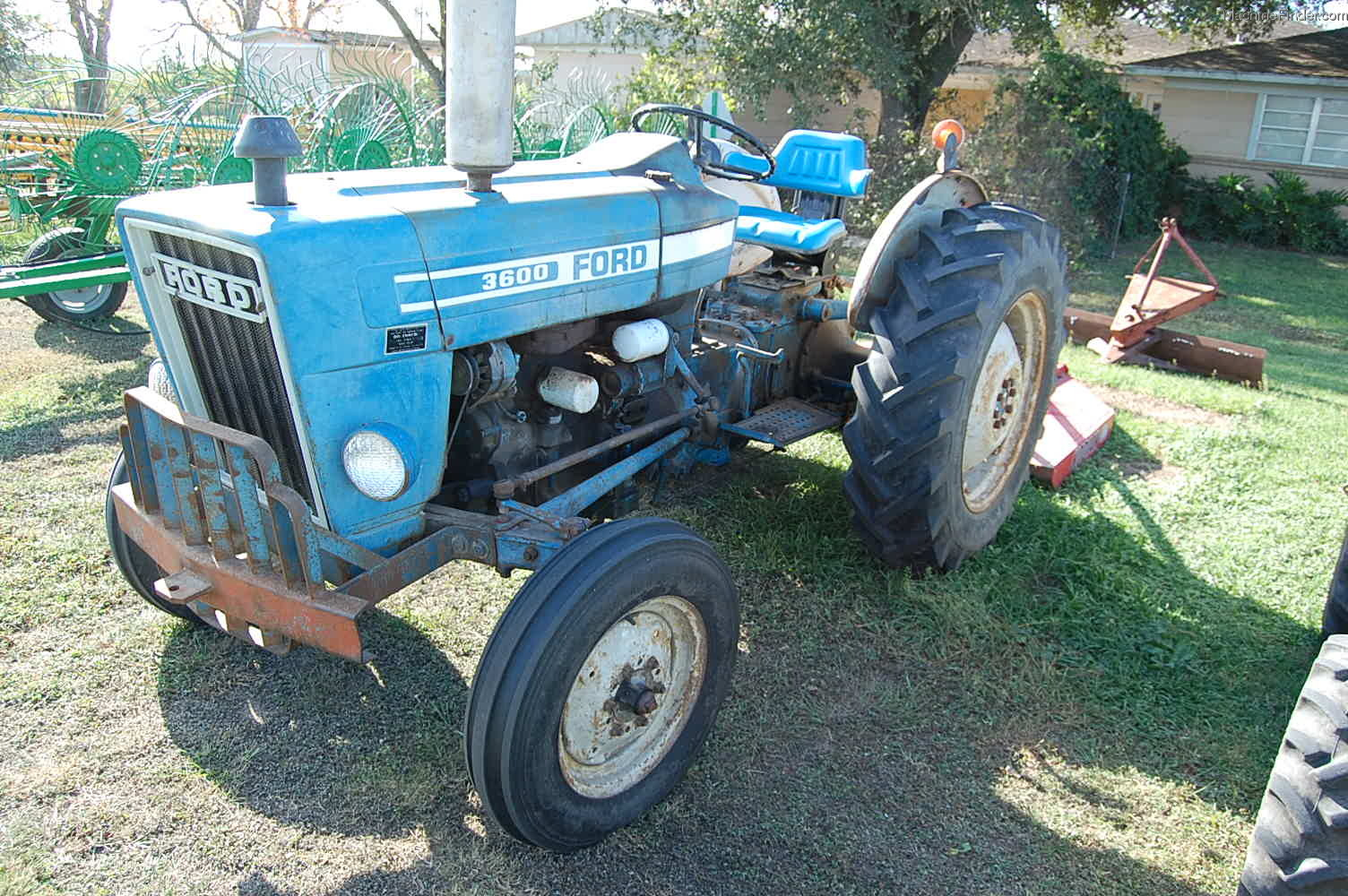 1986 Ford 3600 Tractors - Compact  1-40hp