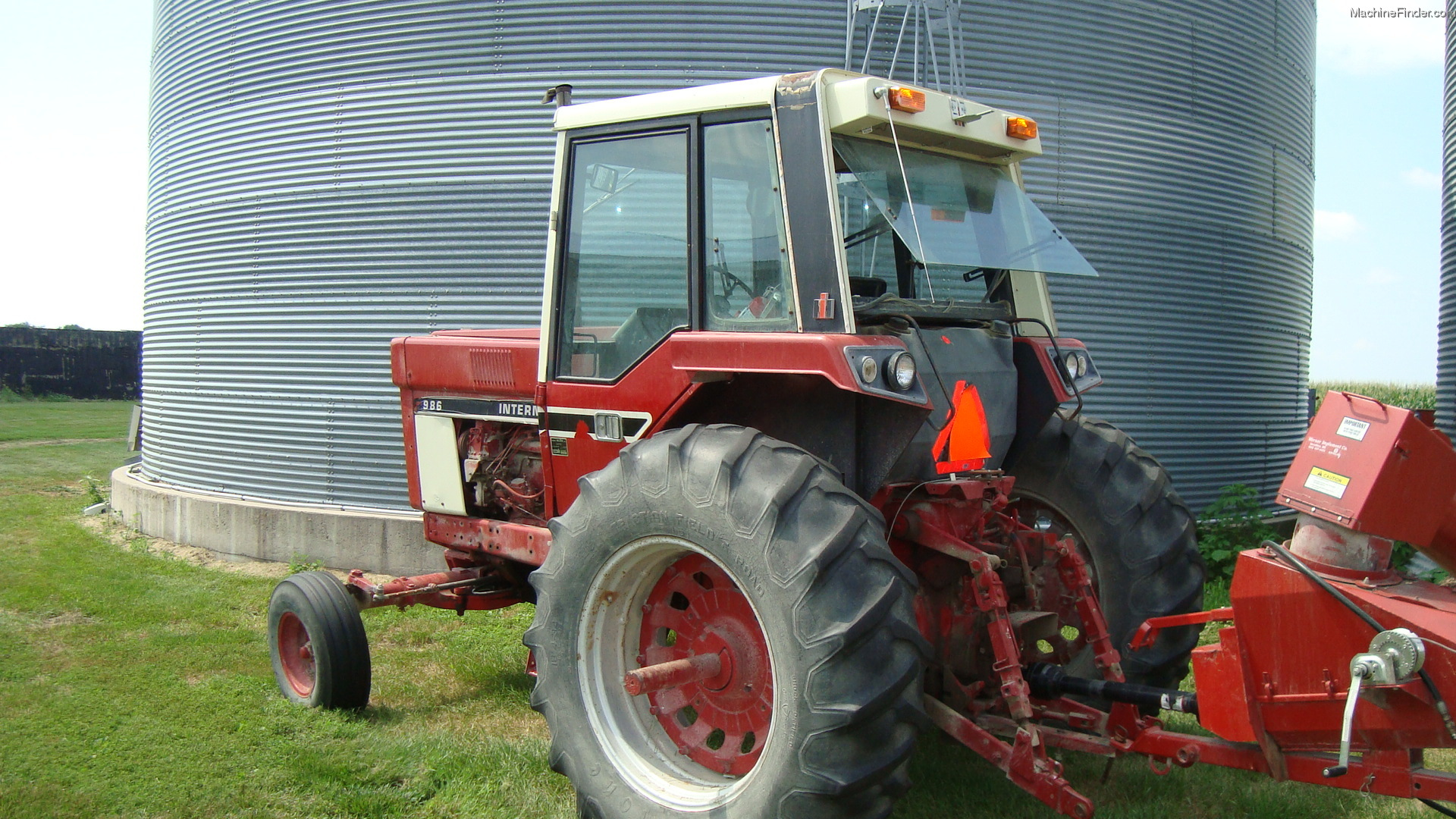 International Harvester 986 Tractor : International harvester tractors row crop