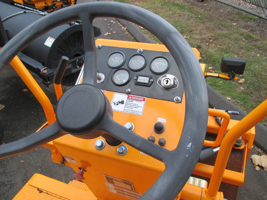 Detail photo of 2012 LeeBoy 400SD from Construction Equipment Guide