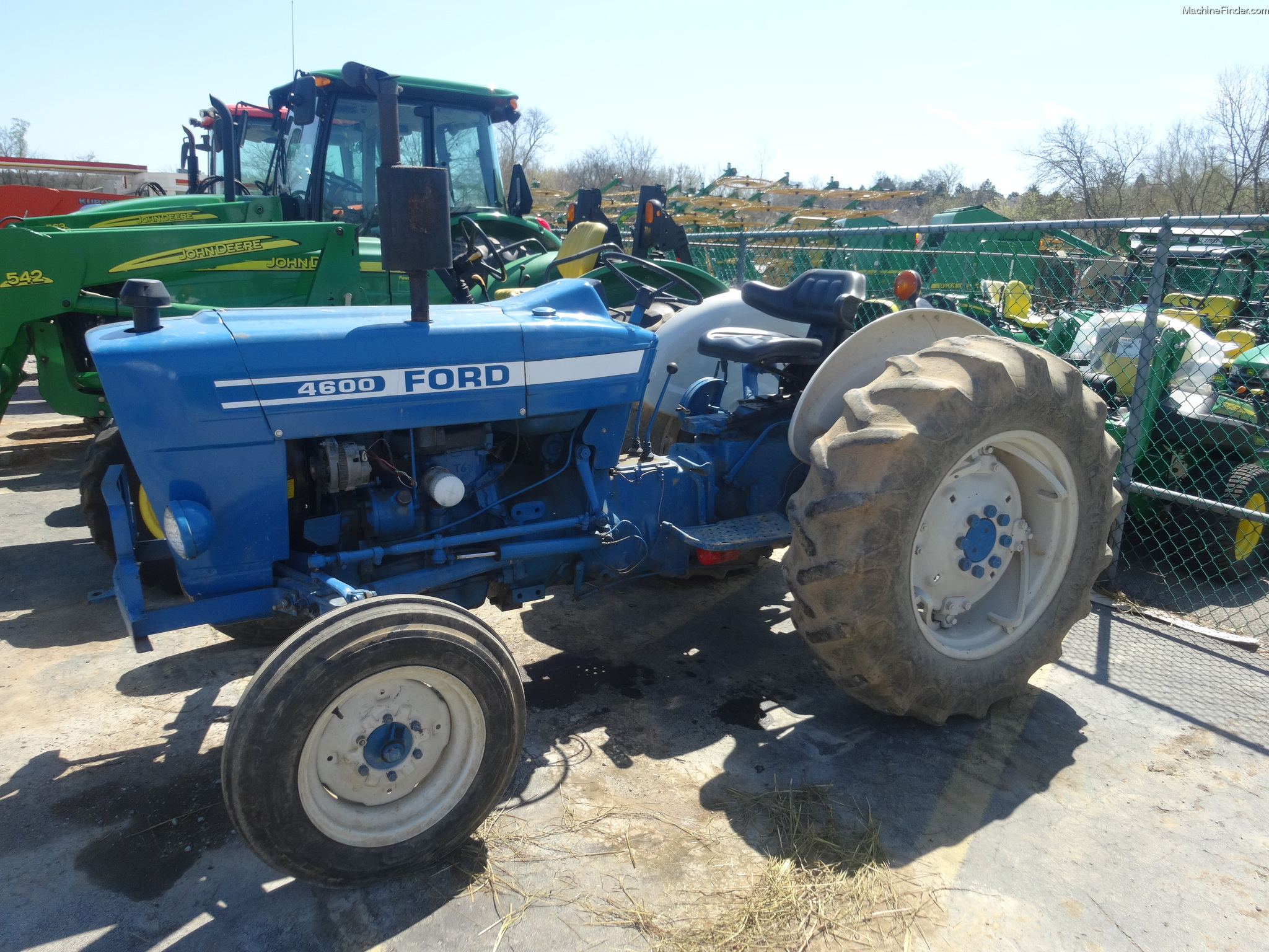 Ford 4600 Tractor Information : Ford tractors utility hp john deere