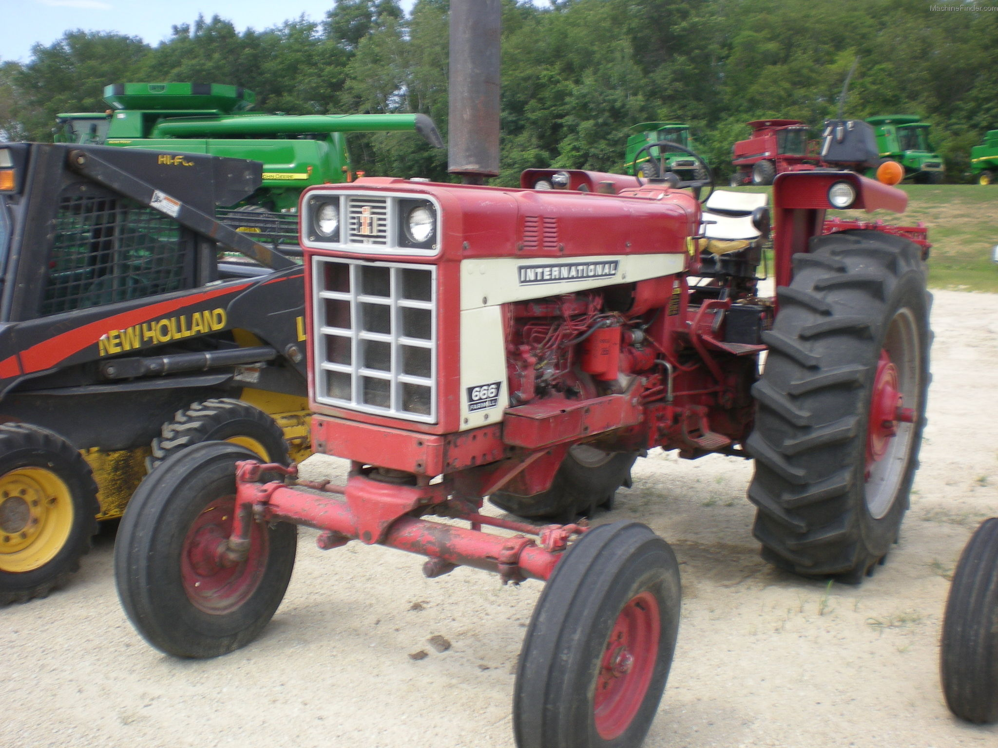 International Harvester 666d Tractors