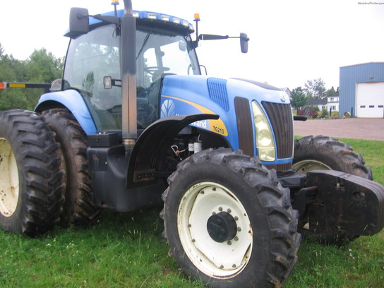2005 New Holland TG210