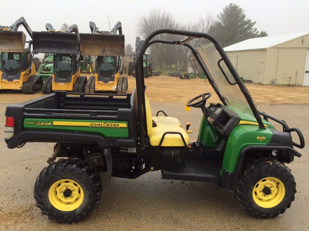john deere xuv 825i green atvs gators for sale 49085. Black Bedroom Furniture Sets. Home Design Ideas