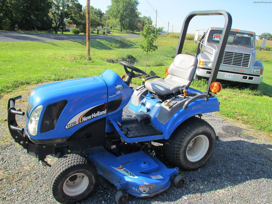 2004 New Holland TZ25DA