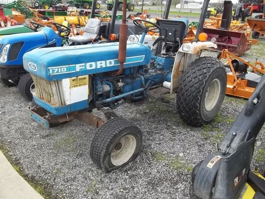 1983 Ford 1710 Tractors - Compact  1-40hp