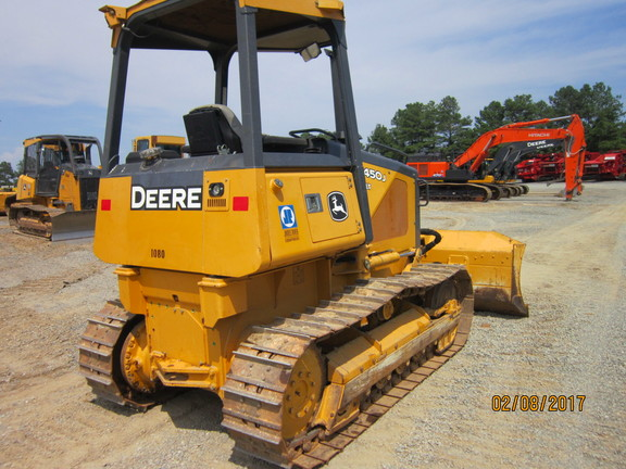 Detail photo of 2007 John Deere 450J from Construction Equipment Guide