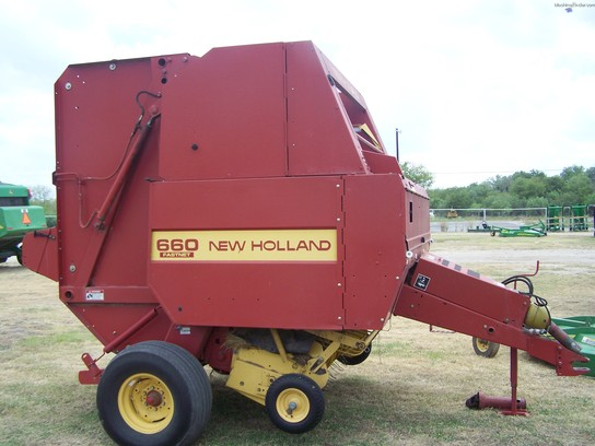 New Holland 660