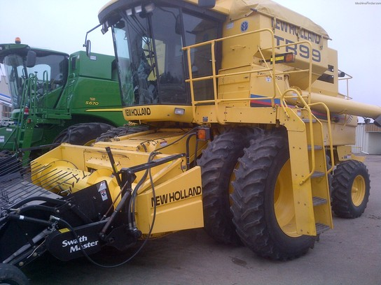 2001 New Holland TR99