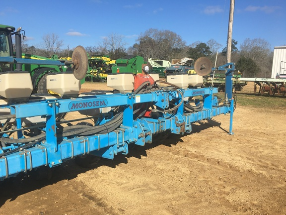 2001 Monosem 6 row twin