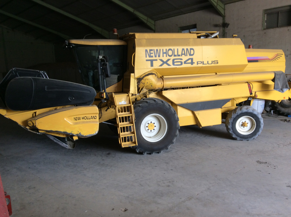 New Holland TX 64 PLUS