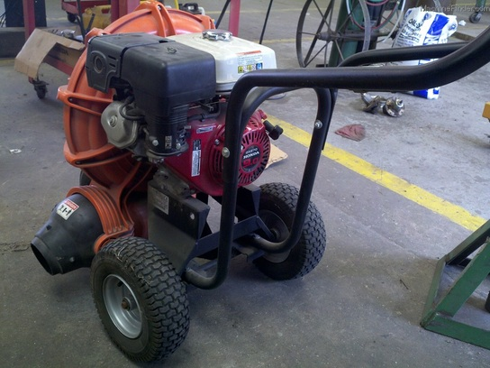 2007 Billy Goat 9hp Blower