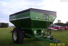 2000 Brent 674 GRAIN CART  ADJUSTABLE SPOUT