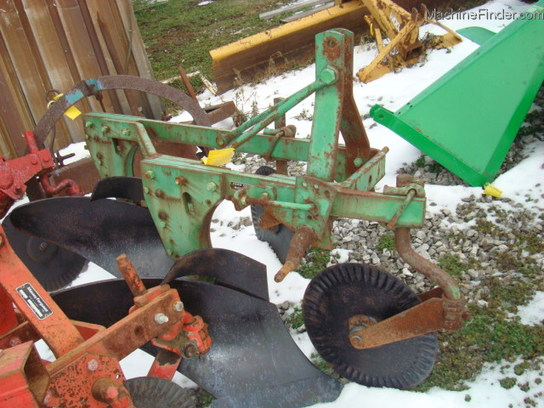 John Deere Utv >> John Deere 45 - Moldboard Plows - John Deere MachineFinder
