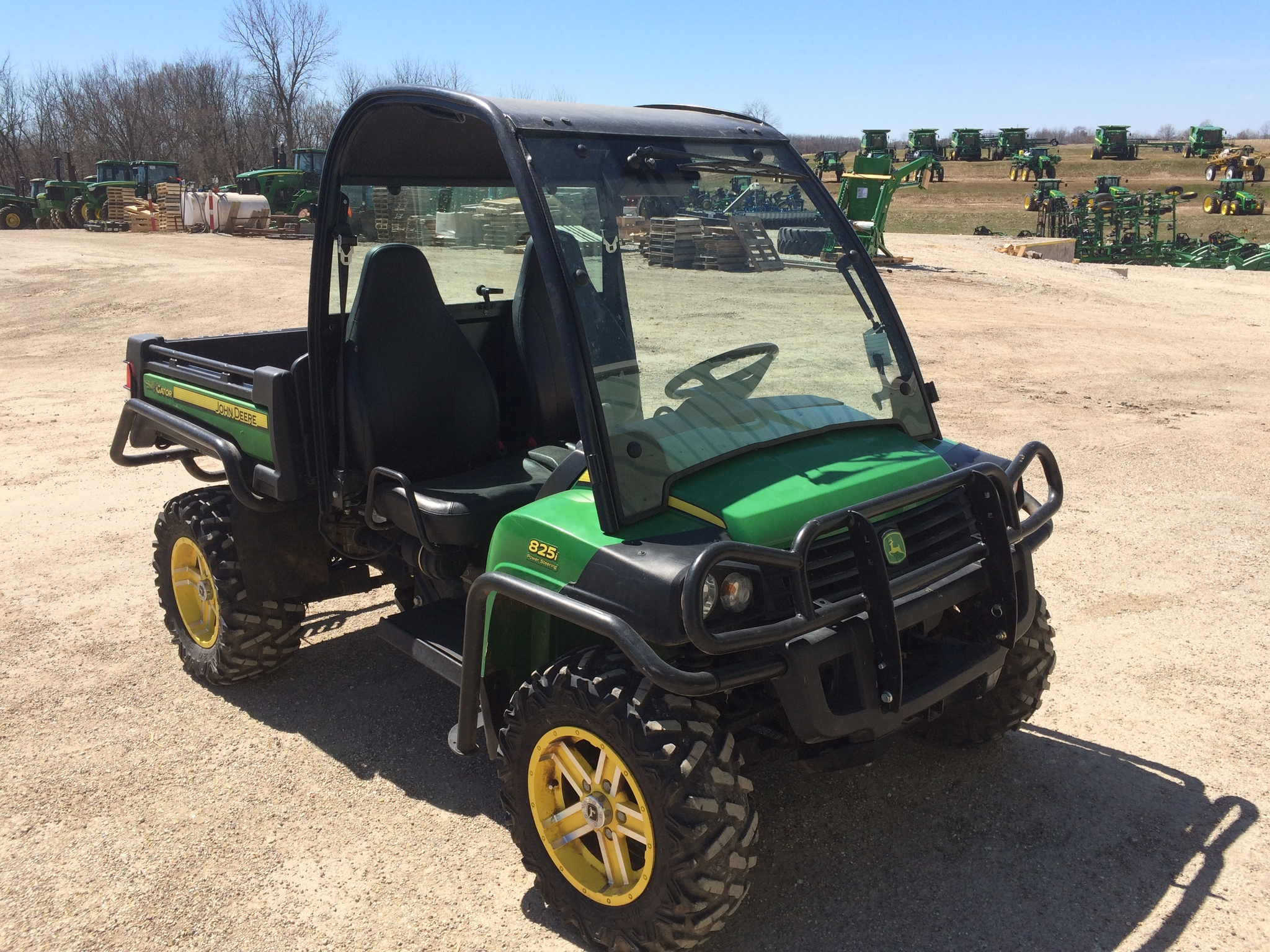 john deere xuv 825i atvs gators for sale 44777. Black Bedroom Furniture Sets. Home Design Ideas