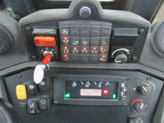 Detail photo of 2009 John Deere 410J from Construction Equipment Guide