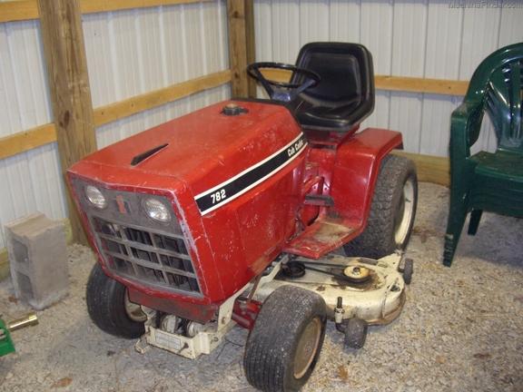 Red Cub Cadet Tractors : Cub cadet lawn garden tractors john deere