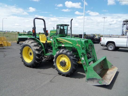 2005 John Deere 5205 Tractors - Utility (40-100hp)
