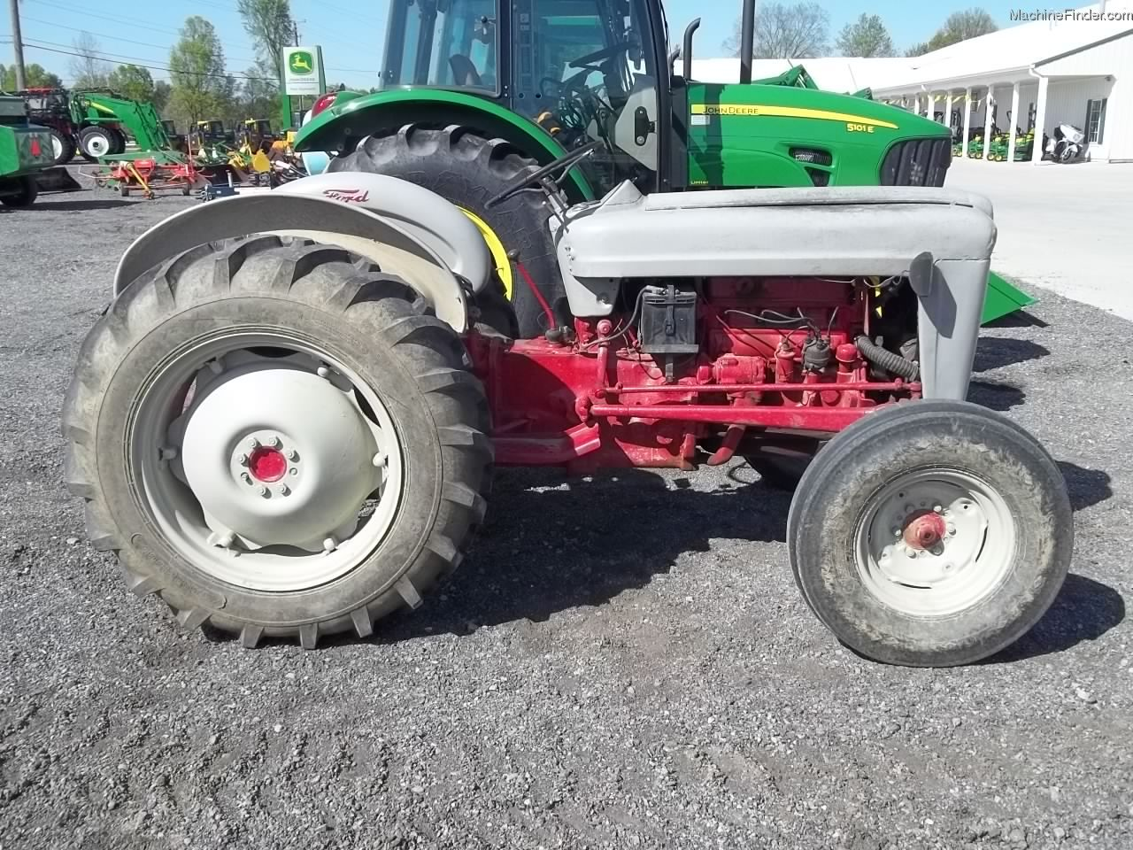 Ford 640 Serial Numbers : Used farm agricultural equipment john deere machinefinder