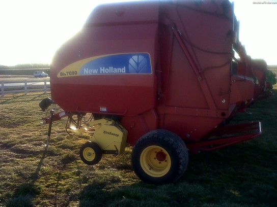 2008 New Holland BR7090