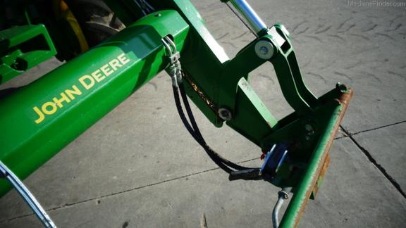 John Deere 6120R