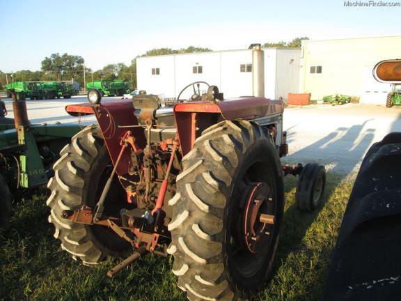 International Harvester 686