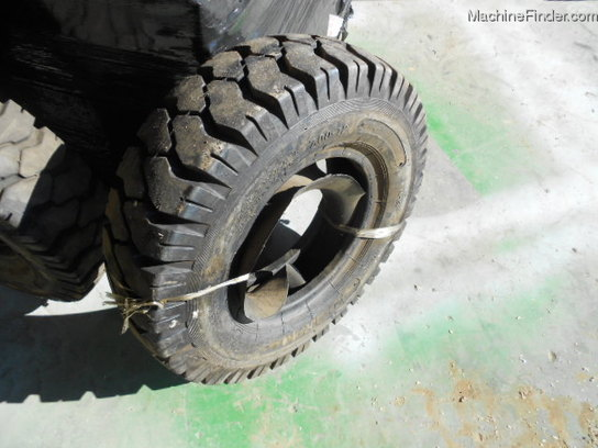 Other NEW AD TRAIL 700X12 12 PLY FORKLIFT TIRE