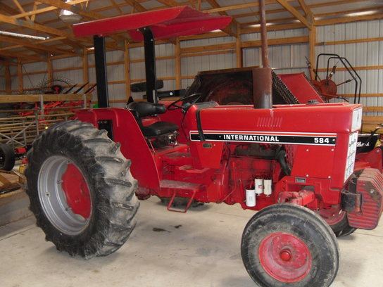 1984 International Harvester 584