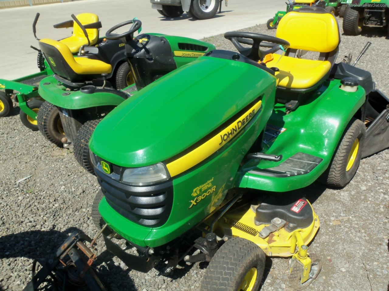 2006 john deere x300r lawn garden and commercial mowing. Black Bedroom Furniture Sets. Home Design Ideas
