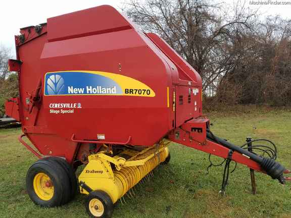 2013 New Holland BR7070
