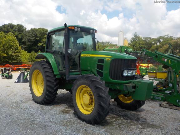 2011 John Deere 7330