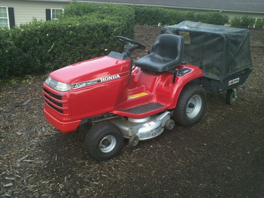 Honda H4518 Lawn Tractor/Riding Mower