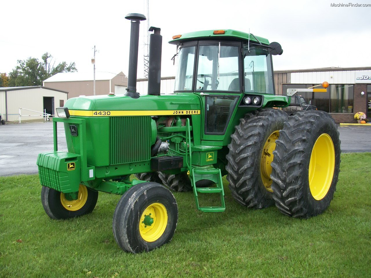 Front Duals For Tractors : John deere tractors row crop hp