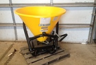 2014 FRONTIER SS2067B Dry Fertilizer Applicator