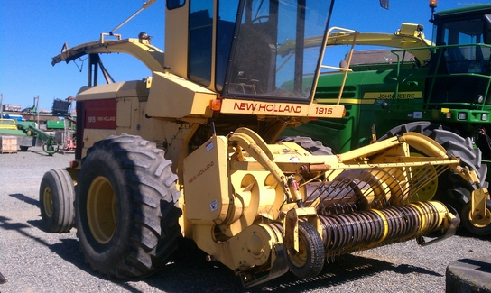 1993 New Holland 1915