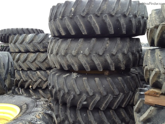 2011 John Deere 20.8R38 FLOATER TIRES