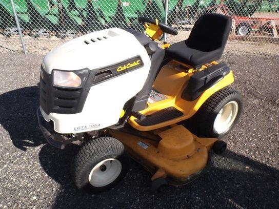 Cub Cadet 1046 Lawn Garden Tractors For Sale 23421