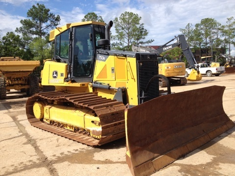 Detail photo of 2014 John Deere 750K from Construction Equipment Guide