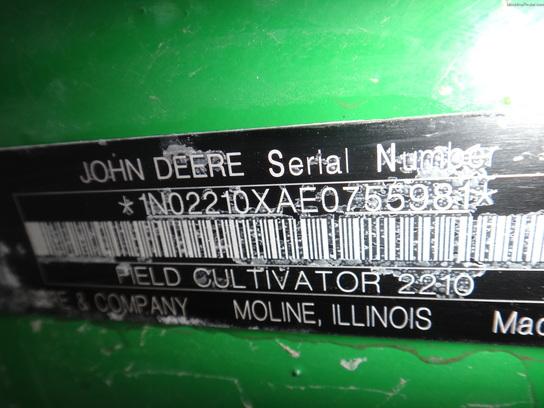 John Deere 2210 - 50'
