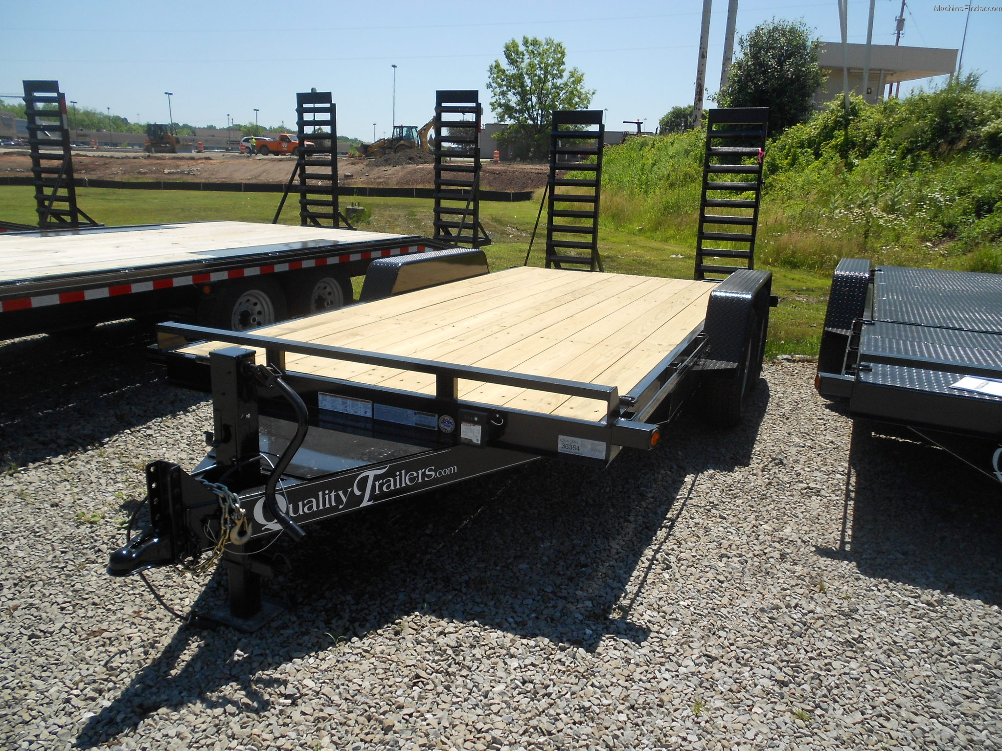 2014 quality 16 foot car hauler trailer john deere machinefinder. Black Bedroom Furniture Sets. Home Design Ideas