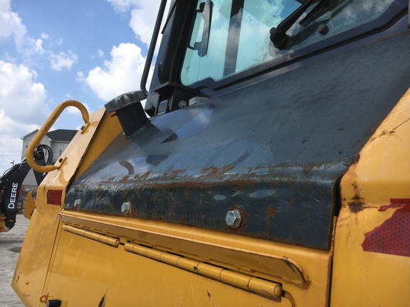 Detail photo of 2012 John Deere 750J from Construction Equipment Guide
