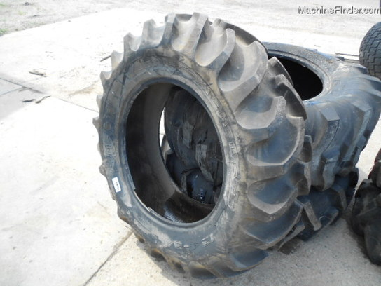 Other USED CO-OP 12.4X24 R1 BAR TIRE 95% 1 TIRE