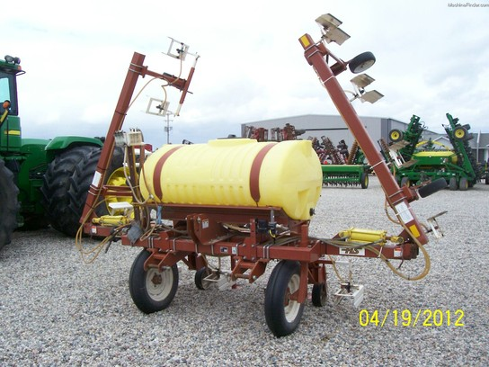 1995 H&S 12R30 Band Sprayer