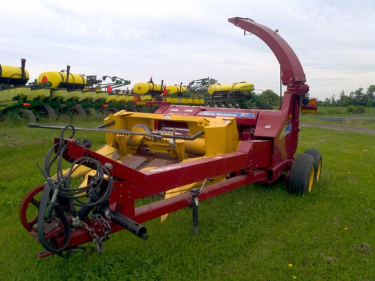 2011 New Holland FP240