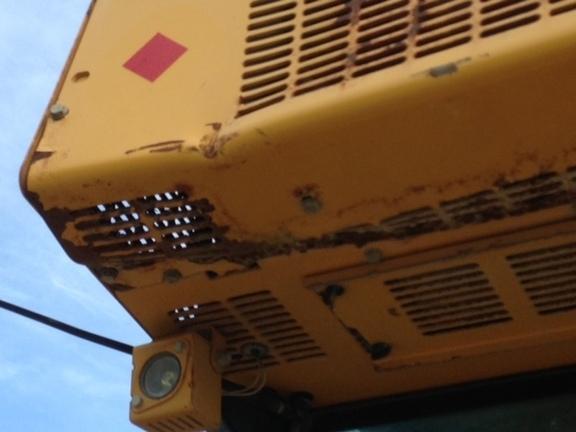 Detail photo of 2012 John Deere 700J LGP from Construction Equipment Guide