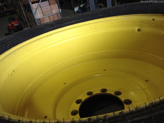 Goodyear 800/70R38 T&W