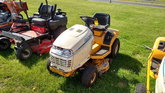 Cub Cadet Gt2050 : Cub cadet hds lawn garden tractors for sale