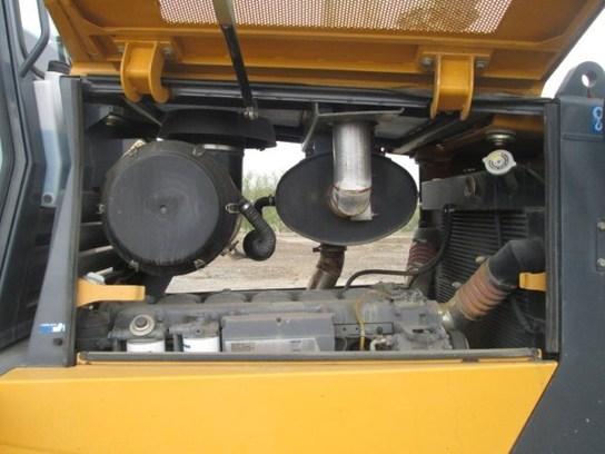 Detail photo of 2007 John Deere 950J from Construction Equipment Guide